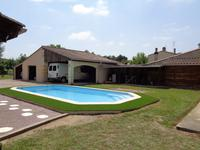 French property for sale in MOULIETS ET VILLEMARTIN, Gironde - €339,200 - photo 2