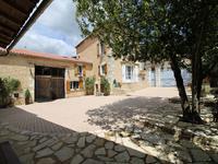 Maison à vendre à ST ANGEAU en Charente - photo 1