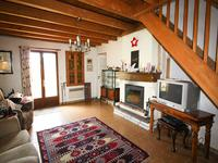 French property for sale in VOISSAY, Charente Maritime - €109,000 - photo 4