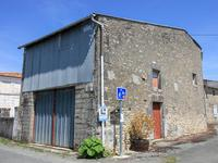 French property for sale in VOISSAY, Charente Maritime - €109,000 - photo 9