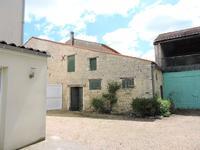 Maison à vendre à EPANNES en Deux Sevres - photo 1