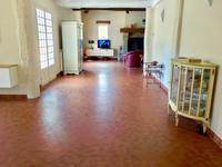 Well maintained equestrian facilities