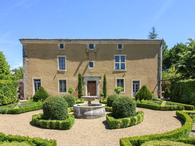 chateauin SALLES DE VILLEFAGNAN
