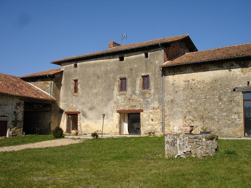 Maison à vendre à VERNEUIL(16310) - Charente