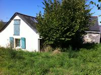 French property for sale in RENAZE, Mayenne - €82,500 - photo 3