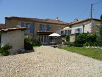 French property for sale in MONTMOREAU ST CYBARD, Charente - €399,000 - photo 2