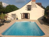 French property for sale in PARCAY LES PINS, Maine et Loire - €249,310 - photo 2