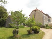 Maison de 4 chambres avec grand jardin.