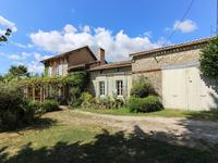 French property, houses and homes for sale inMONTLIEU LA GARDECharente_Maritime Poitou_Charentes
