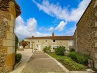 French property for sale in CURCAY SUR DIVE, Vienne - €172,800 - photo 4