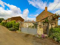 French property for sale in CURCAY SUR DIVE, Vienne - €172,800 - photo 6