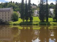 Exceptionnelle propriété familiale de 7 chambres / 5 salles de bains avec gîte. La vue la plus époustouflante sur le canal de Nantes à Brest et le château médiéval de Josselin.