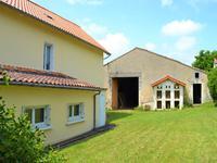 Maison à vendre à ANGOULEME en Charente - photo 1