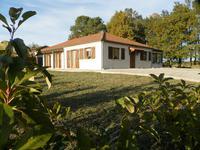 Maison à vendre à MILHAC D AUBEROCHE en Dordogne - photo 3