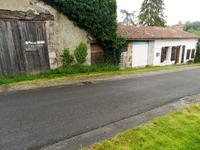 French property for sale in MOUTERRE SUR BLOURDE, Vienne - €77,000 - photo 2