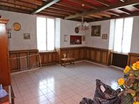 French property for sale in MAREUIL EN PERIGORD, Dordogne - €149,999 - photo 2