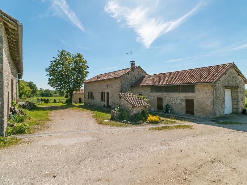 Commerce à vendre à ST SAUD LACOUSSIERE(24470) - Dordogne