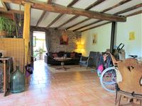 French property for sale in LUCHAPT, Vienne - €142,000 - photo 3