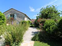 French property for sale in NANCLARS, Charente - €325,500 - photo 4