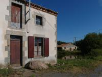 French property for sale in ARGENTONNAY, Deux Sevres - €93,500 - photo 9