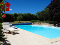 French property for sale in ST MEDARD D AUNIS, Charente Maritime - €470,000 - photo 2