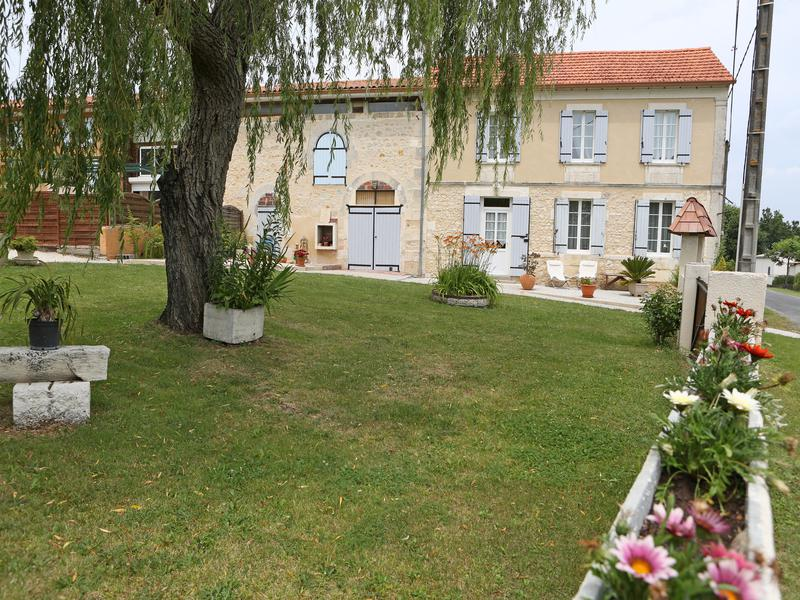 Maison à vendre à MONTGUYON(17270) - Charente Maritime