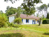 French property for sale in town, Gironde - €315,000 - photo 8