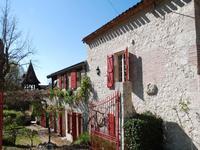 French property for sale in VILLENEUVE SUR LOT, Lot et Garonne - €380,000 - photo 2