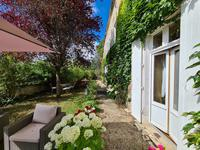 French property for sale in town, Charente - €402,800 - photo 10