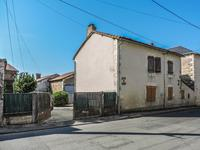 houses and homes for sale inLA CHAPELLE BATONVienne Poitou_Charentes