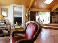 French property for sale in ST DIZANT DU GUA, Charente Maritime - €381,600 - photo 5