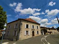houses and homes for sale inJUIGNACCharente Poitou_Charentes