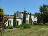 French property for sale in BLAYE, Gironde - €699,900 - photo 3