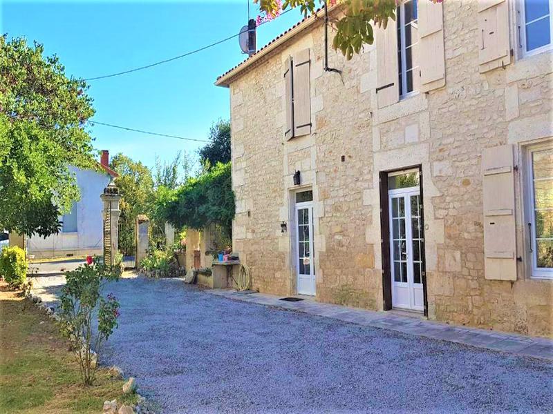 Maison à vendre à CHAZELLES(16380) - Charente