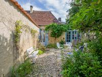 French property for sale in LE BUGUE, Dordogne - €246,100 - photo 8