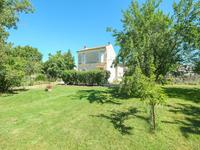 French property for sale in AUMAGNE, Charente Maritime - €194,400 - photo 6