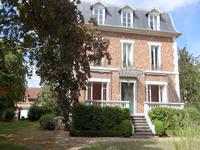 French property for sale in LE VESINET, Yvelines - €1,995,000 - photo 1