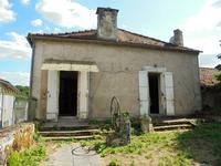 French property for sale in SALLES LAVALETTE, Charente - €46,000 - photo 2