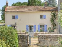 houses and homes for sale inGOURGEDeux_Sevres Poitou_Charentes