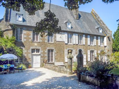 housein AVRANCHES