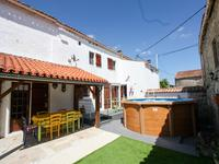 French property for sale in AULNAY, Charente Maritime - €141,700 - photo 10