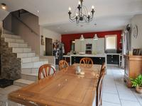 French property for sale in ST SATURNIN LES APT, Vaucluse - €499,900 - photo 4