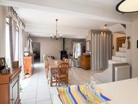 French property for sale in ST SATURNIN LES APT, Vaucluse - €499,900 - photo 5