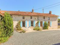 houses and homes for sale inLA CHAPELLE THIREUILDeux_Sevres Poitou_Charentes