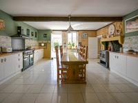 French property for sale in NANTEUIL EN VALLEE, Charente - €431,420 - photo 3