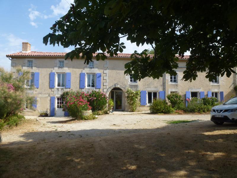 Maison à vendre à CHAMPDENIERS ST DENIS(79220) - Deux Sevres