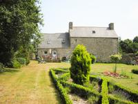 French property for sale in PLUZUNET, Cotes d Armor - €174,960 - photo 3