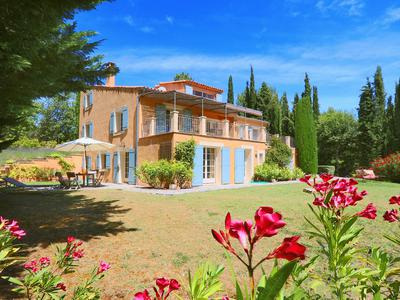St.Saturnin les Apt - Stunning views from this magnificent 'German quality' property with pool, two rental possibilities, terrasses, surrounded by nature.