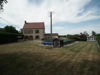 French property for sale in AUZANCES, Creuse - €109,000 - photo 4