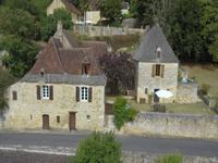 French property for sale in BEZENAC, Dordogne - €343,000 - photo 2